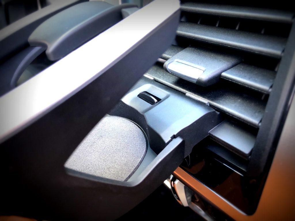 スタディ BMWカップホルダー