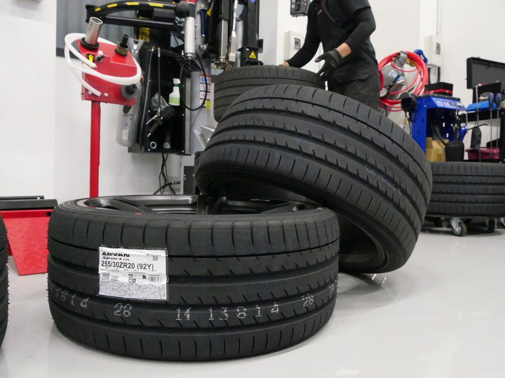 Salon de Studie AG +FUKUOKA- BMW M F82M4 ADVAN Sport V105 Tire スタディBMW 02