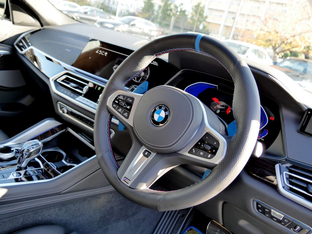 BMW G06 X6 ステアリング張替えナッパレザーMステッチ