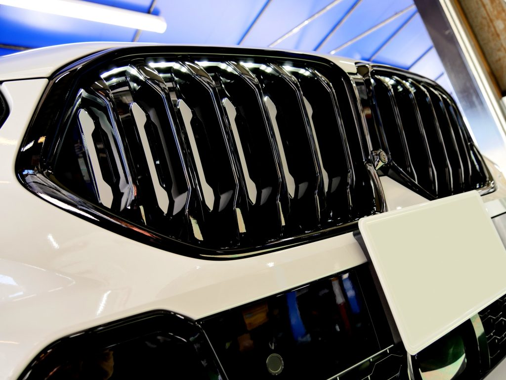 BMW G06 X6 ICONIQキドニーグリルピアノブラックペイント